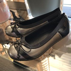 Stride Rite Shoes - Girls silver flats